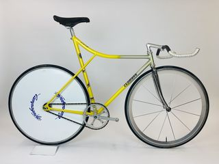 1989 Clamont pursuit